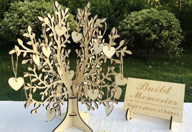 Árbol de los deseos como libro de firmas de boda