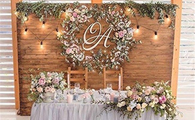 Mesa de novios en boda rústica