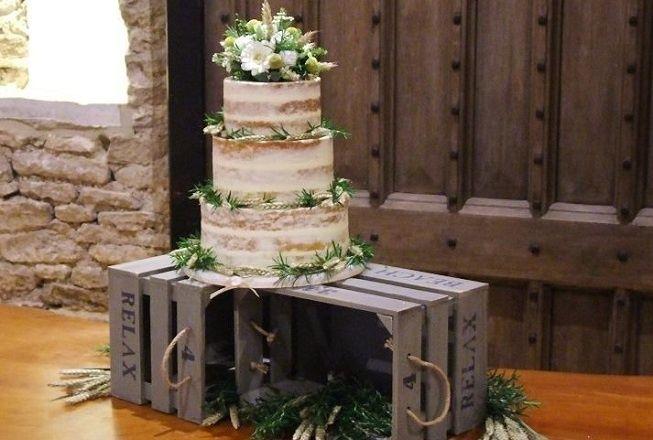 Pastel en boda rústica